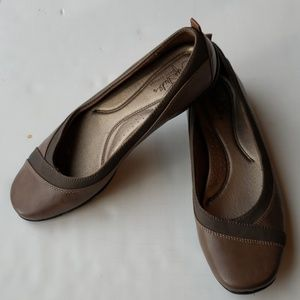 Lifestride soft system Brown Flats in a size 8.5